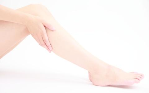 ゆがみを直せば脚は細くなる! O脚・X脚を解消する簡単ストレッチ
