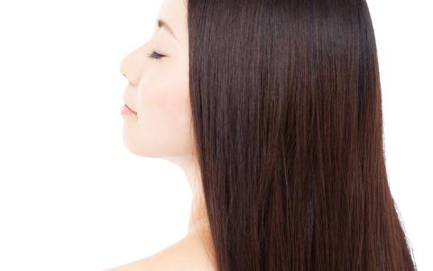 忙しい毎日でも、潤いのある髪の毛をキープする方法