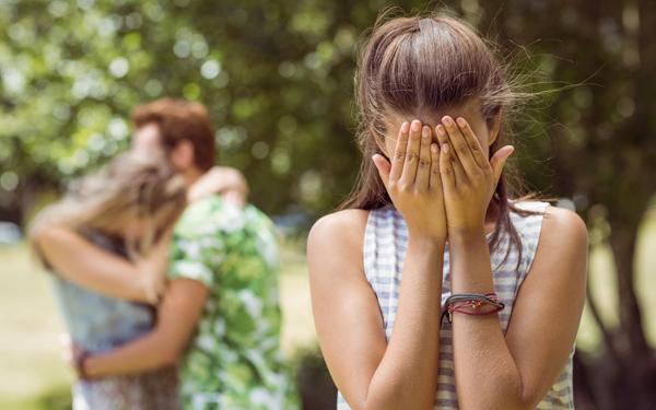 寂しがり屋の人は要注意、彼に振り回されないための「恋愛依存度」チェック