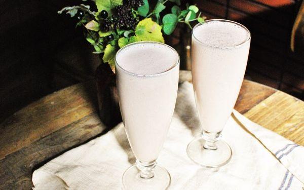 注目される第3のミルクことアーモンドミルクをおうちで作る簡単レシピ