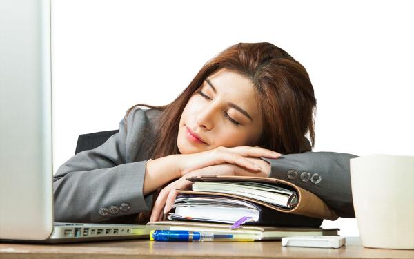 眠気を一気に解消する超簡単な方法