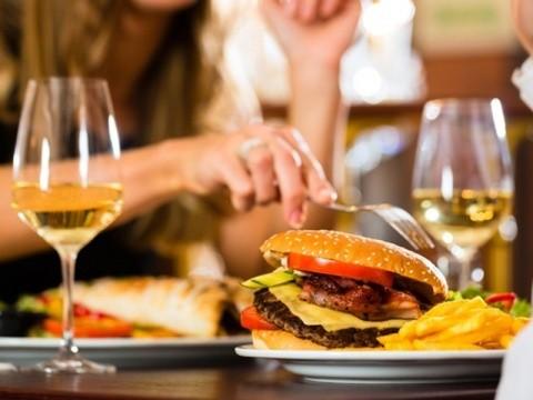 サムネイル 過食のメカニズムを知って、ストレス太りを解消しよう