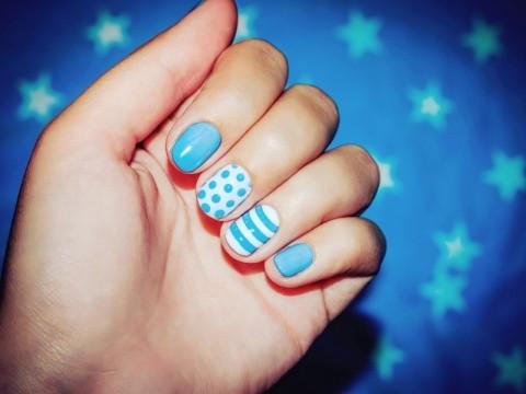 サムネイル よく見ると、爪の色が変!「青い爪」が示す健康状態とその改善法