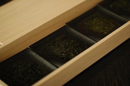 souen櫻井焙茶研究所では約30種のお茶を販売