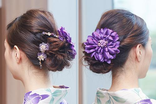テッセン柄にあわせて紫の花モチーフのヘアアクセサリーを<コンプレックス ビズ>デイライトフルコーム 13,000、ハートフルローズデザートクリップ 9,000、ハートフルローズフリンジデザートクリップ 7,500、デイライトフルコサージュ 10,000 / 銀座三越 (すべて税別)