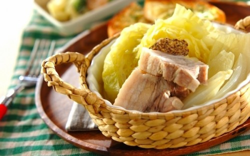 圧力鍋でつくる! 美味しい春キャベツと豚バラのトロトロ煮込み