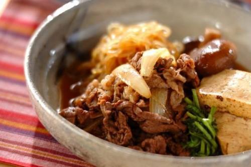 サムネイル 牛こま肉で気軽に! 「フライパンすき焼き」