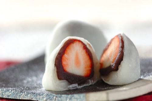 サムネイル 和菓子作り初心者さんでも大丈夫! レンジで簡単「イチゴ大福」