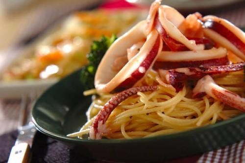 サムネイル 食欲をそそる美味しい香りがたまらない 「イカのガーリックパスタ」