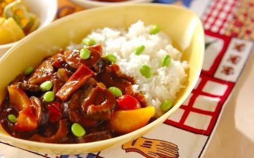 サムネイル 夏に食べたいカレーレシピ5選、スパイシーな「食」でパワーアップ!