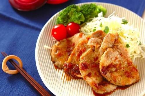 サムネイル みんなの胃袋をつかむ! 玉ねぎの甘みが美味しい「豚肉マリネのショウガ焼き」