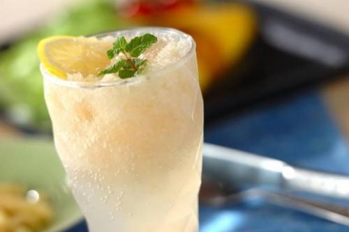サムネイル 爽やかな味わいとシャリシャリ食感で気分転換にぴったり! 「梨サイダー」