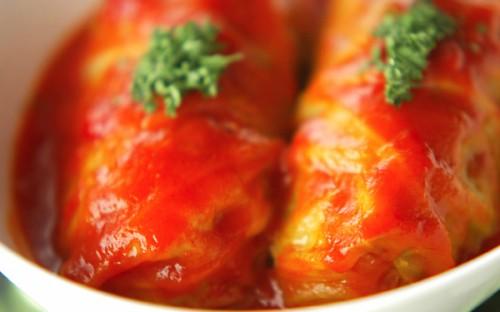 失敗しない! トマトピューレで煮込むロールキャベツ