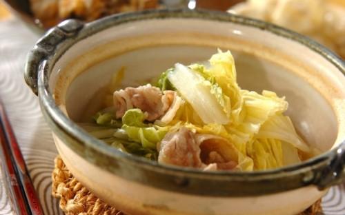 白菜と黄身おろしの相性バツグン、おつまみにもなる「白菜の酒蒸し」