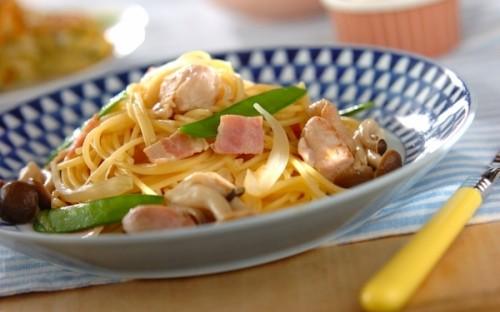 超時短! フライパンひとつで作れる、鶏もも肉とベーコンの「和風パスタ」