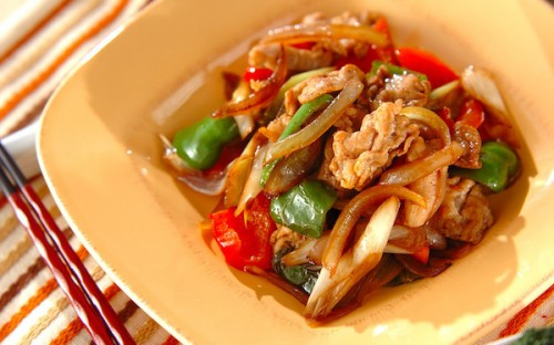 残り野菜を有効活用できる、満足度の高い「豚肉のウスターソース炒め」