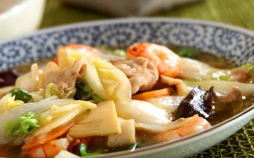 ご飯や揚げ麺にかけても美味しい! 中華の定番「具だくさんの八宝菜」