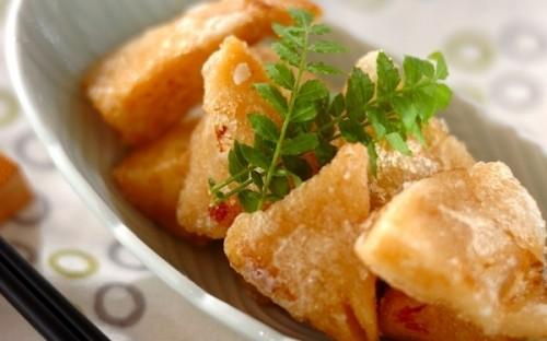 残ったタケノコの煮物で作れる、おやつ感覚で食べられる「タケノコ揚げ」