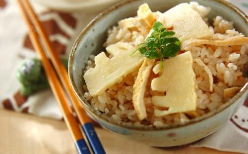 プロ直伝の簡単レシピ! 出汁の効いたやさしい味わいの「タケノコご飯」