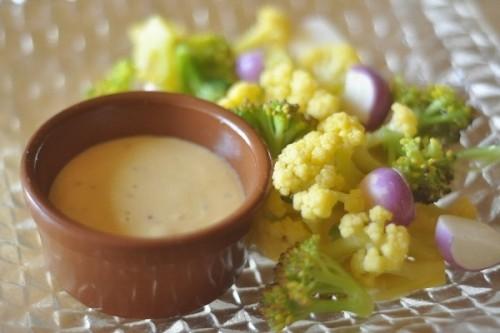サムネイル 1個の卵で楽しむ2つのレシピ「手作りマヨネーズ」と「バニラアーモンドチュイル」