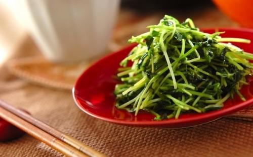 ヘルシー&簡単&美味しいの三拍子が揃った、中華仕立ての「豆苗の炒めもの」