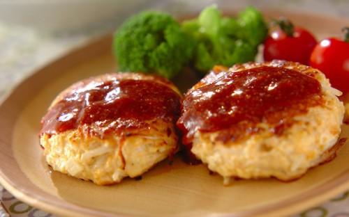 リーズナブル&ヘルシー、モヤシで増量できる「モヤシの鶏バーグ」