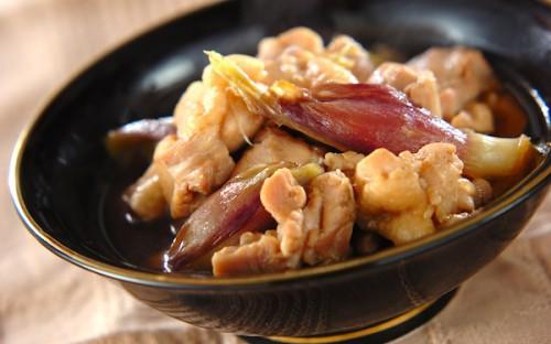 ミョウガを煮物の材料に、旨味が効いた「鶏肉とミョウガの煮物」