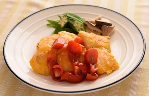 ササミのピカタフレッシュトマトソース
