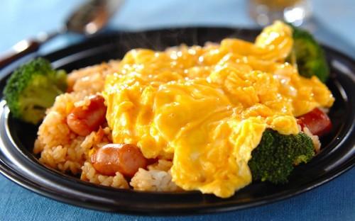 卵で包むよりも簡単に作れる! とろとろ卵の「オムライス」
