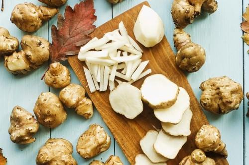 サムネイル 話題のスーパーフード 菊芋はどんな食べ物?飽きずに食べられるオススメの食べ方をご紹介!