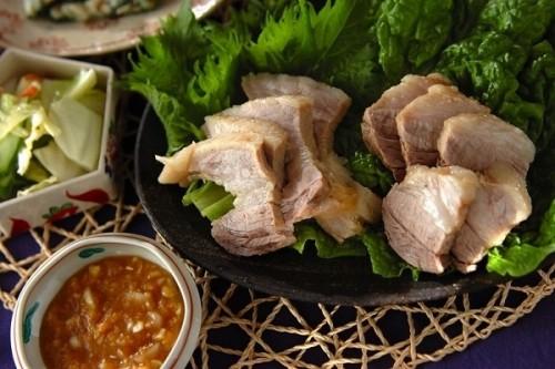 サムネイル あのBTSと共演も! ペク先生の「豚バラ賛歌〜韓国のおいしいを探訪〜」の気分で、おうちで韓国料理を作ってみよう