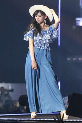 洋服が素敵な黒崎レイナさん
