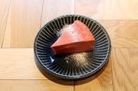東京・渋谷「REISM STAND(リズム スタンド)」の『ビーツのチーズケーキ』(¥650)
