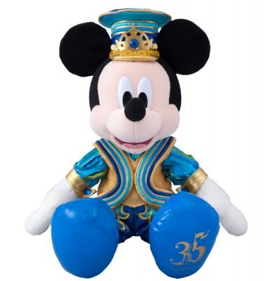「ぬいぐるみ(ミッキーマウス)」5000円/販売店舗:東京ディズニーランド「グランドエンポーリアム」東京ディズニーシー「エンポーリオ」