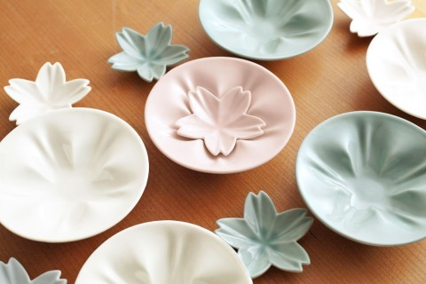 サムネイル 春を満喫♪桜モチーフのテーブルウェア
