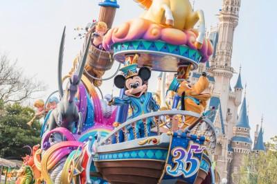 東京ディズニーランドの新しい昼のパレード『ドリーミング・アップ!』のミッキーマウス&プルート