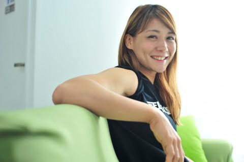 サムネイル 【写真】渡辺華奈、鍛え抜かれた腹筋に柔軟性も披露