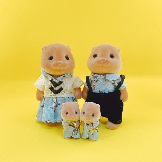 ファミリーでリンクコーデをするカワウソ家族 画像提供:カワウソ(@8sh0)