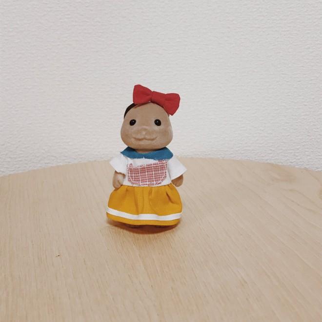 ドラミちゃんのコスプレドレスを着るカワウソのお母さん 画像提供:カワウソ(@8sh0)