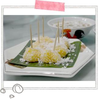 スパイシーでエスニックな料理が多いのが特徴のニョニャ料理。魚のすり身のような「オタオタ」や、モチモチのタピオカにココナッツをまぶした「タピオカケーキ」などバラエティ豊かなメニューがテーブルを彩ります☆