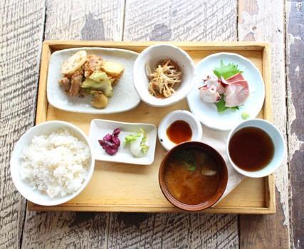 『A to Z cafeのお昼ごはん・お肉のランチ』/1000円