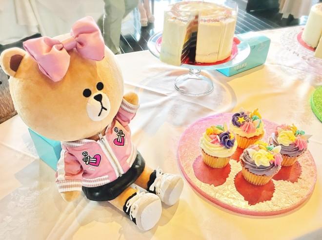 サムネイル TREND女子が集まるフォトジェニックパーティ「CHOCO × LOLA'S Cupcakes Poolside Party」