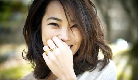 【美女賢磨】今日から役立つキレイのヒント「菅井悦子〜Vol.4 メイク編」