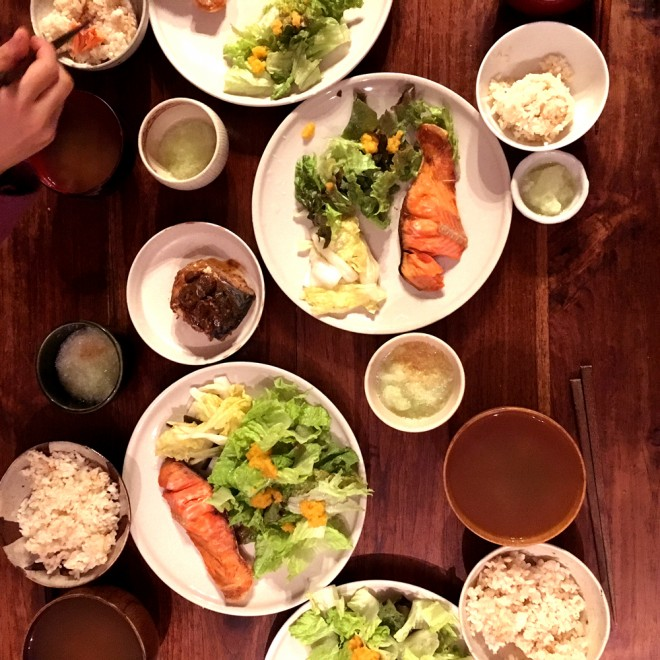 ローフードを習ってから、食卓に生の野菜やフルーツがふえました☆サラダやお漬物だって立派なローフード! 身近なメニューから意識すると取り入れやすいと思います(by AYUMI)