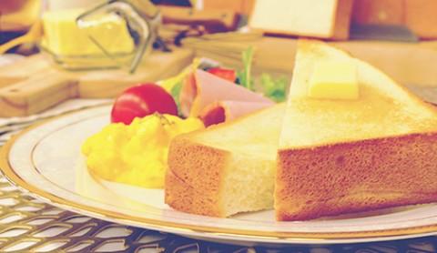 サムネイル パンを変えれば朝が優雅に リニューアルした『セブンゴールド 金の食パン』おいしさの秘密