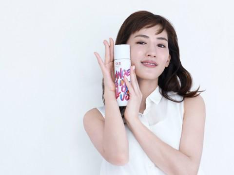 サムネイル この冬パケ買い!【SK-II】人気化粧水から華やかなクリスマス限定デザインボトル