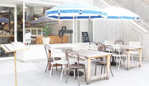 サムネイル 【渋谷】撮影にも使われるおしゃれカフェ「HOTEL EMANON」