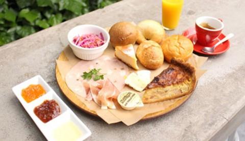 サムネイル 【表参道】こだわりパンが豊富に揃うカフェ「パンとエスプレッソと(BREAD,ESPRESSO &)」