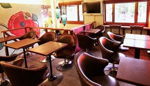 サムネイル 【恵比寿】ペット可 ランチにもディナーにも使えるアートなカフェ「Rue Favart」