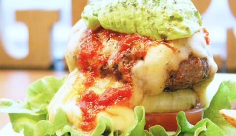 サムネイル 【神保町】黒毛和牛の高級バーガーが味わえる「BURGERS CAFE GRILL FUKUYOSHI」